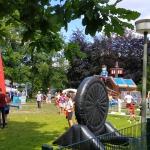 Stadtfest 2019, Wiese mit Kirchturm